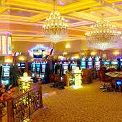 Игровой автомат Жена министра Омана подала иск на казино